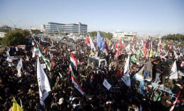 Una estampida causa más de 50 muertos durante el funeral de Soleimaní en Irán