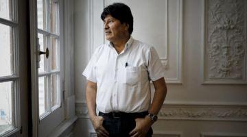 Evo justifica que españoles embozados hayan intentado entrar a la Embajada de México