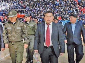 El director del Sedede presentó  su carta de renuncia