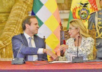 Quiroga dimite al cargo de Delegado y Áñez dice que él quiere otras cosas