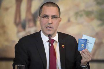 """Gobierno de Maduro acusa a EEUU por  una """"intervención"""""""