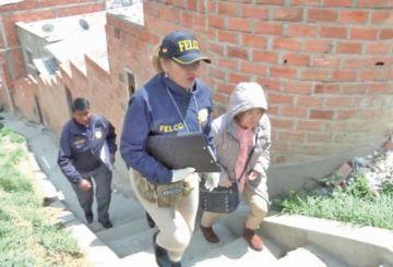 Arrestan a empleada de Quintana y hallan un arma de fuego en su casa