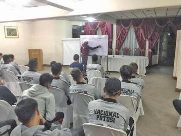 Nacional intensifica su trabajo en sesiones de tres turnos