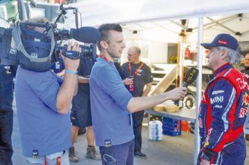 El piloto español Carlos Sainz lleva la batuta del Dakar 2020 a mitad de la competencia