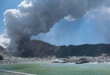 Suben a 20 los muertos por erupción del volcán Whakaari