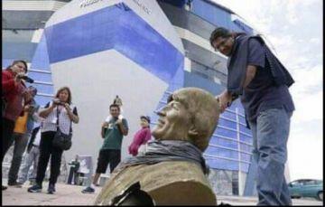 Cambian nombre y retiran busto de Evo Morales del Polideportivo de Quillacollo