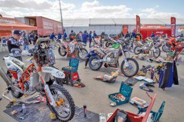 El Dakar se suma al duelo en memoria de Paulo Gonçalves