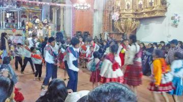 San Pedro cerró la Navidad con sus bailes tradicionales