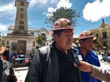 Rechazan denuncia por la toma de mina en el cerro