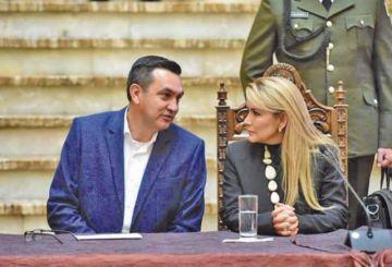 Gobierno vuelve a descartar la candidatura de Añez