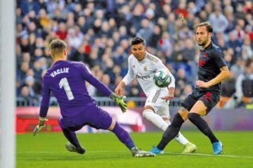 """Real Madrid vence a Sevilla con dos goles de Casemiro en el """"Santiago Bernabéu"""""""