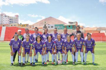 Real golea a Renacer y está a un paso del título del torneo femenino de fútbol