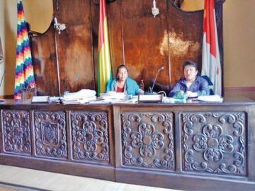 Intentan superar la crisis del Concejo con ayuda de la Defensoría del Pueblo