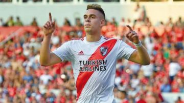 River Plate derrota a Independiente con doblete de Rafael Santos Borré
