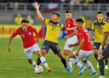 Pablo Aránguiz lidera debut arrasador de Chile ante desdibujado Ecuador