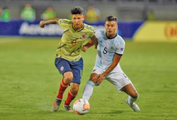 Argentina gana a la anfitriona Colombia