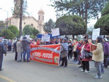 Sirmes instaló su piquete de huelga de hambre en la plaza