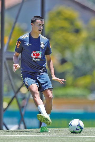 Brasileño Reinier acapara toda la atención tras fichar para el Real Madrid