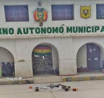 Los comunarios de Puna reabirán edificio municipal
