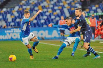 Nápoles elimina al Lazio y alcanza las semifinales de la Copa Italia