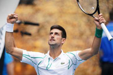 Djokovic y Federer avanzan de ronda