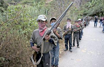 México: Presentan a niños como policías comunitarios