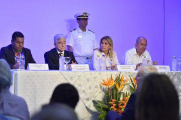 Presidenta pidió las renuncias de todos sus ministros
