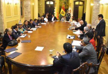 Presidenta Jeanine Áñez pide la renuncia de todos sus ministros