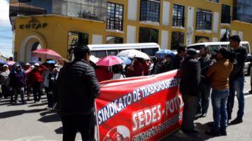 Salubristas reinstalan sus protestas en la plaza 10 de Noviembre