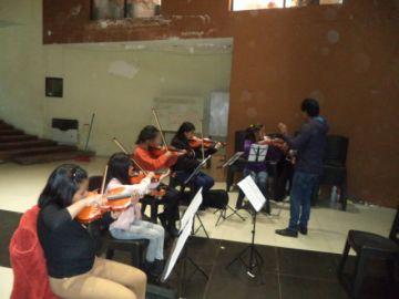 Academia alista examen a alumnos de la filarmónica
