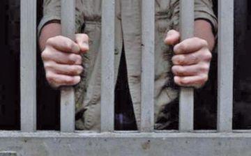Padrastro es llevado a prisión en Uyuni