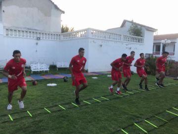 Nacional Potosí entrena en La Paz