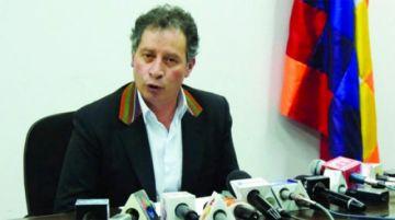 Cancillería otorga salvoconducto al exministro César Navarro