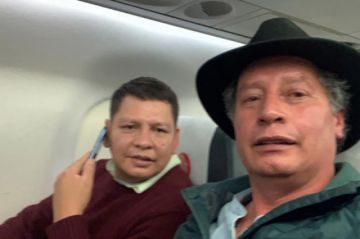 Tras una confusa aprehensión, César Navarro abandona Bolivia