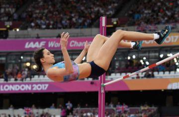 Lasitskene salta 2.04 metros y logra la mejor marca mundial del año