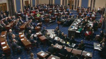 El Senado de EEUU absuelve a Trump del cargo de obstrucción al Congreso