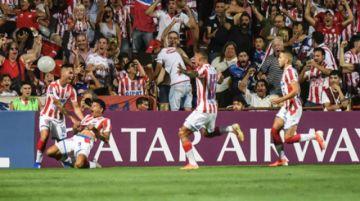 Unión golea y deja a Atlético Mineiro al borde de la eliminación de la Copa