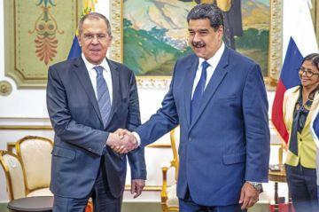Rusia ofrece más armas e inversiones a Maduro