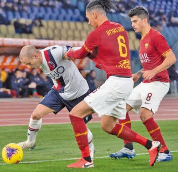 Roma pierde 3-2 ante Bologna y sigue en picada