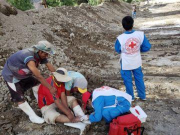 Cruz Roja Filial Potosí atiende a damnificados de riada en Cotagaita