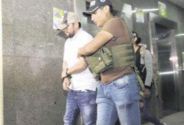 Dictan arresto domiciliario para el hermano de Dora Vallejos