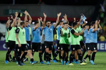 Uruguay elimina a una alicaída Colombia
