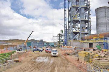Habrá gas para la fábrica de cemento recién en unos dos años