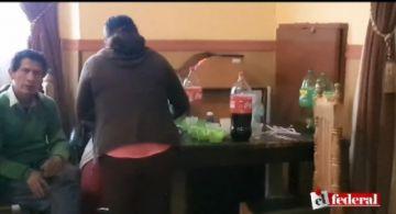 Video muestra a concejales compartiendo bebidas en el salón de deliberaciones