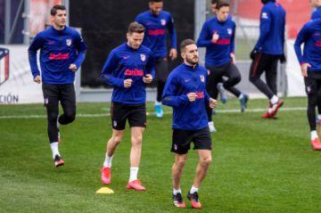 """Atlético y Valencia miden fuerzas en """"Mestalla"""""""