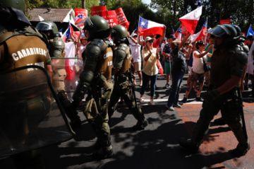 Miles marcharon en Chile en rechazo a nueva Constitución
