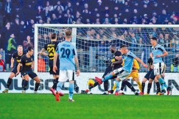 Lazio gana a Inter en la Serie A