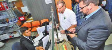 Cívico cruceño pide incautar los bienes de Evo Morales