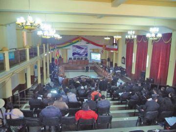 En la asamblea se aprobó  8 leyes en seis meses