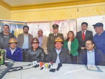 Anuncian entrega de yacimientos para que mineros dejen el cerro